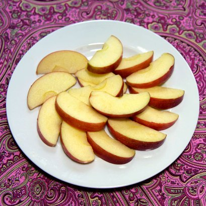 99 Calories 1 3/4 cup apples  4.6 grams of fiber
